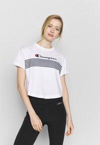 Champion - CREWNECK - T-shirts med print - white - 0