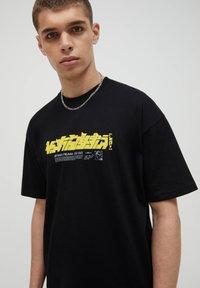 PULL&BEAR - T-shirt imprimé - black - 3