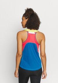 La Sportiva - JOY TANK - T-shirt sportiva - neptune/hibiscus - 2