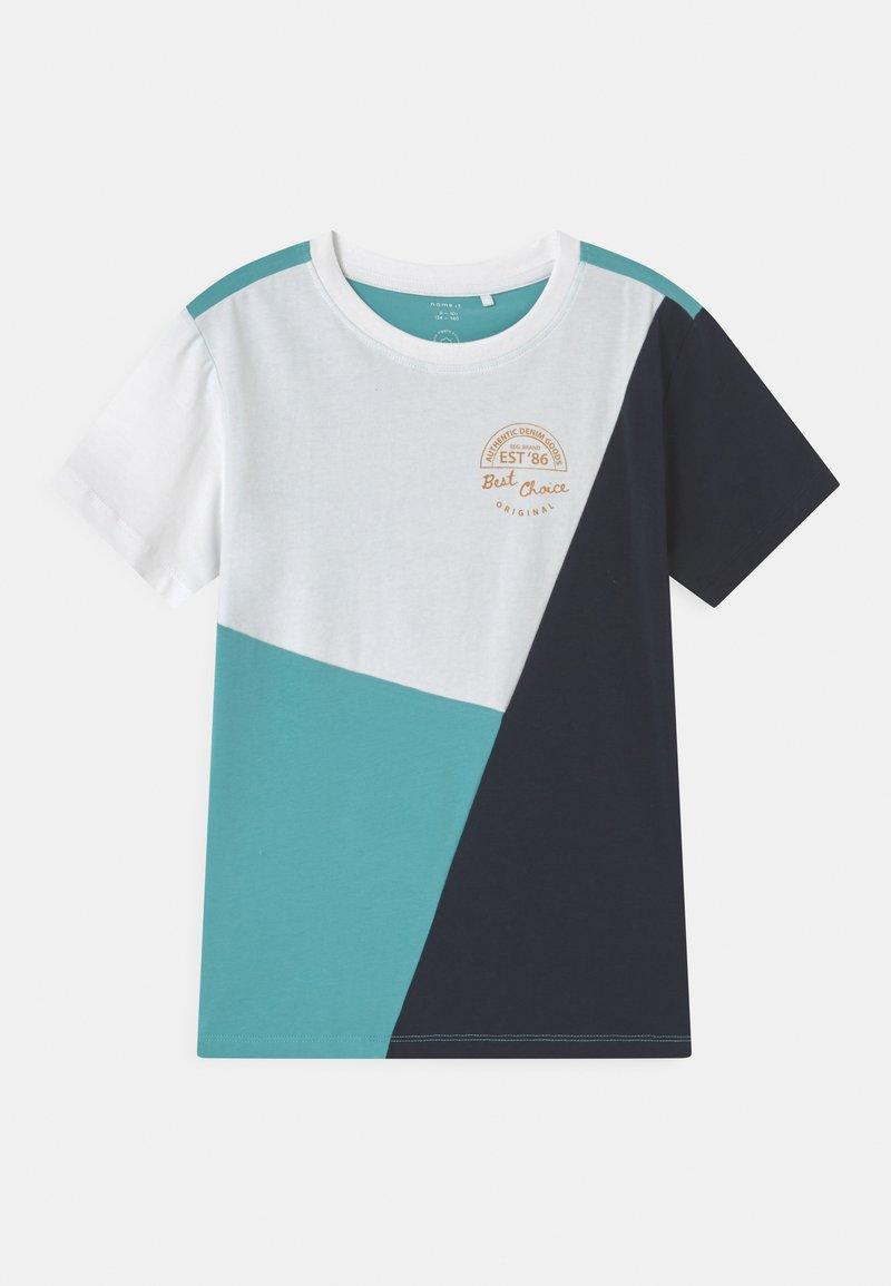 Name it - NKMDOGAN - Print T-shirt - bright white
