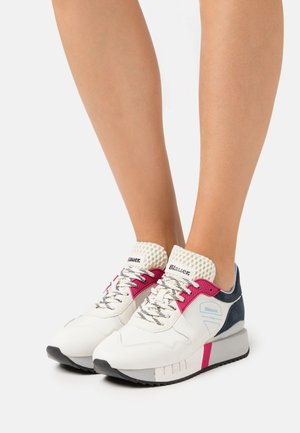 Trainers - white/red/navy