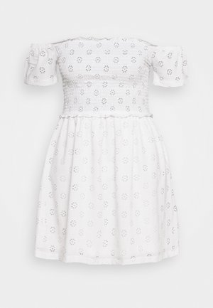 BRODERIE SMOCK DRESS - Žerzejové šaty - white