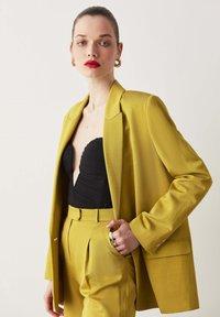 Ipekyol - Short coat - green - 5