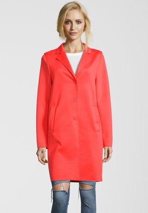 MANTEL LEON N - Classic coat - orange