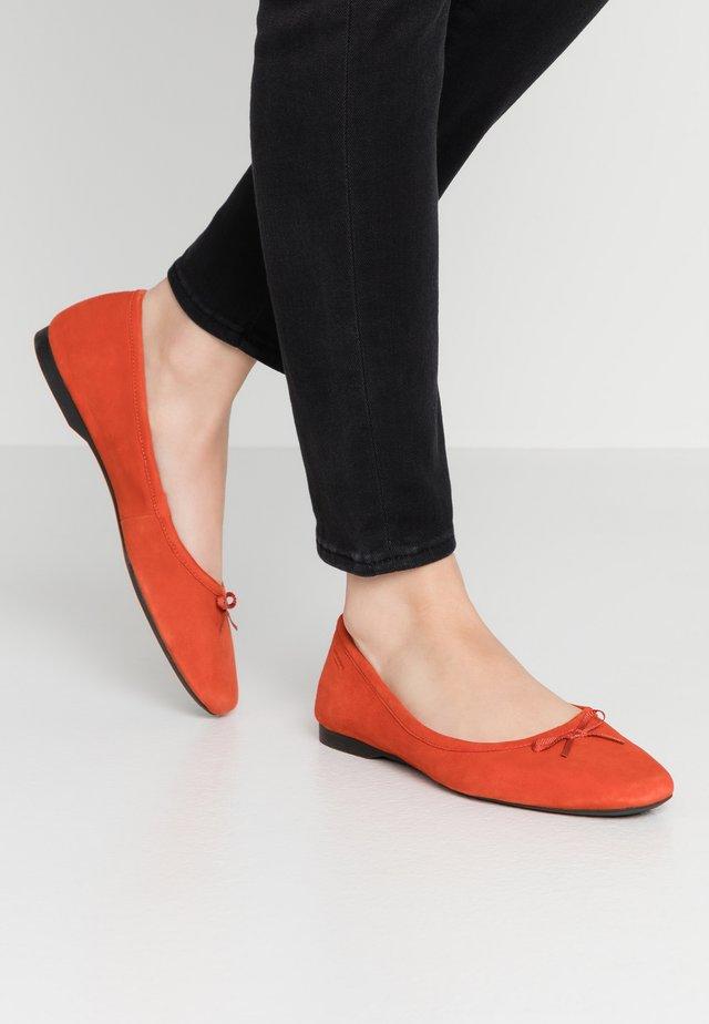 MADDIE - Ballet pumps - tangerine