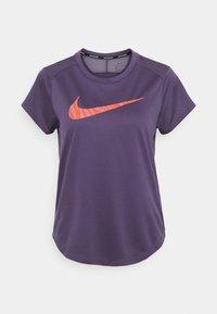 Nike Performance - ICON CLASH RUN  - T-shirt imprimé - dark raisin - 3
