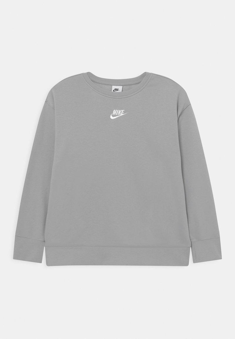 Nike Sportswear - CLUB CREW - Sweatshirt - light smoke grey/white