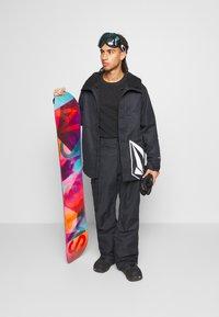 Volcom - 17FORTY INS JACKET - Snowboard jacket - black - 1