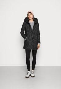 ONLY - Klasický kabát - black/melange - 1