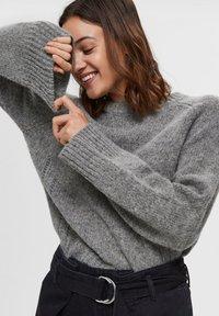 Selected Femme - Sweter - medium grey melange - 3