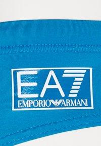 EA7 Emporio Armani - SEA WORLD CORE NEW LOGO BRIEF - Swimming briefs - azzurro fluo - 2