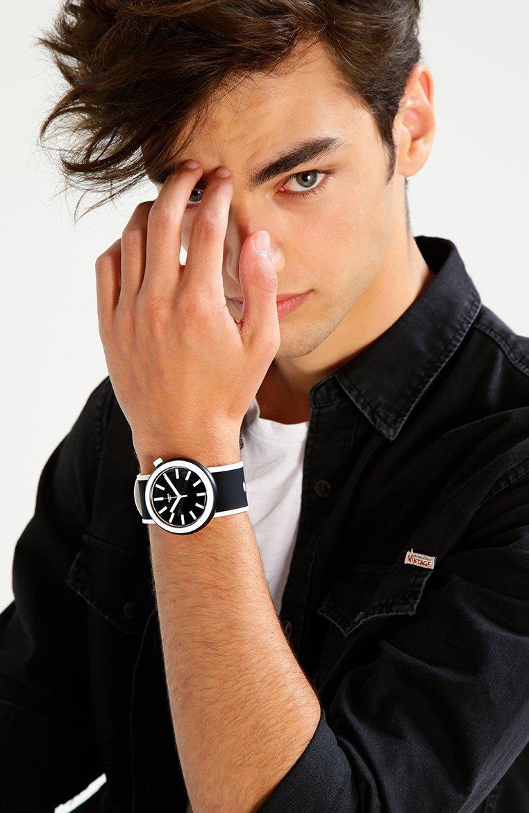 Swatch - POPLOOKING - Watch - black