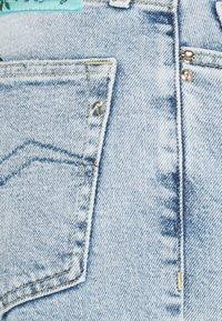 Replay - ROSE COLLECTION JULYE PANTS - Straight leg jeans - light blue - 2