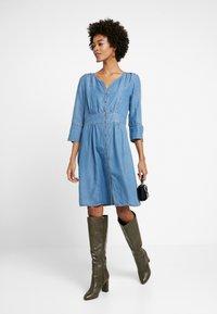 Cream - BALICE DRESS - Dongerikjole - blue denim - 1