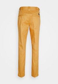 Dickies - 872 SLIM FIT WORK PANT - Chinos - apricot - 1