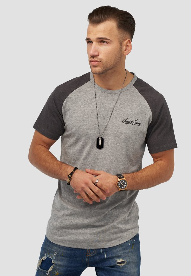 JORHUNTER - Print T-shirt - light grey melange