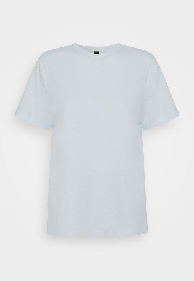 YASSARITA O NECK TEE - Jednoduché triko - whispy blue