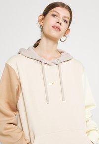 Nike Sportswear - HOODIE - Sweatshirt - pearl white - 3