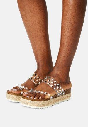 CASE - T-bar sandals - clear