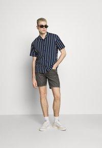 Jack & Jones PREMIUM - JPRBLASTRIPE RESORT SHIRT - Shirt - navy blazer - 1