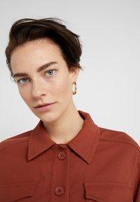 Maria Black - RUBY HOOP EARRING - Kolczyki - gold-coloured - 1