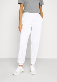 New Look - CUFFED JOGGER - Tracksuit bottoms - white - 0