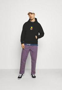 Obey Clothing - CORBEN HOOD - Collegepaita - black - 1