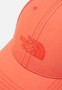 The North Face - CLASSIC HAT UTILITY BRO UNISEX - Cappellino - emberglow orange - 3