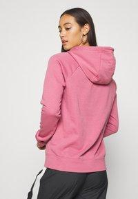 Nike Sportswear - HOODIE - Hoodie - desert berry - 2