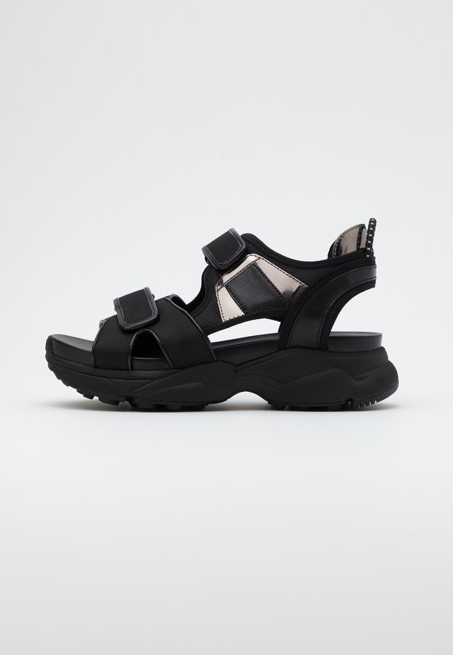 HARVEY  - Sandalias con plataforma - black