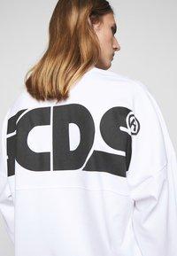 GCDS - ROUND LOGO TEE - Long sleeved top - white - 6