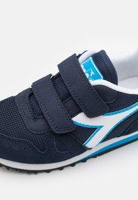 Diadora - SIMPLE RUN UNISEX - Neutral running shoes - corsair/sky/blue blithe - 5