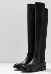 Bibi Lou - Stivali sopra il ginocchio - black - 4