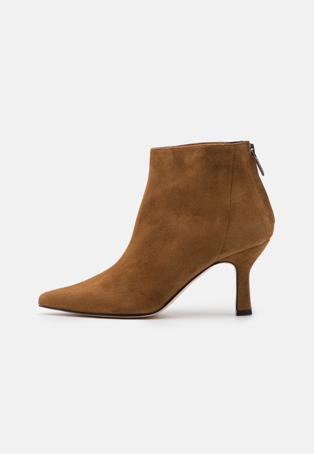 TACCO  - Ankle boot - rodeo