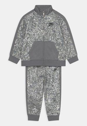 DIGI CONFETTI SET UNISEX - Training jacket - light smoke gray