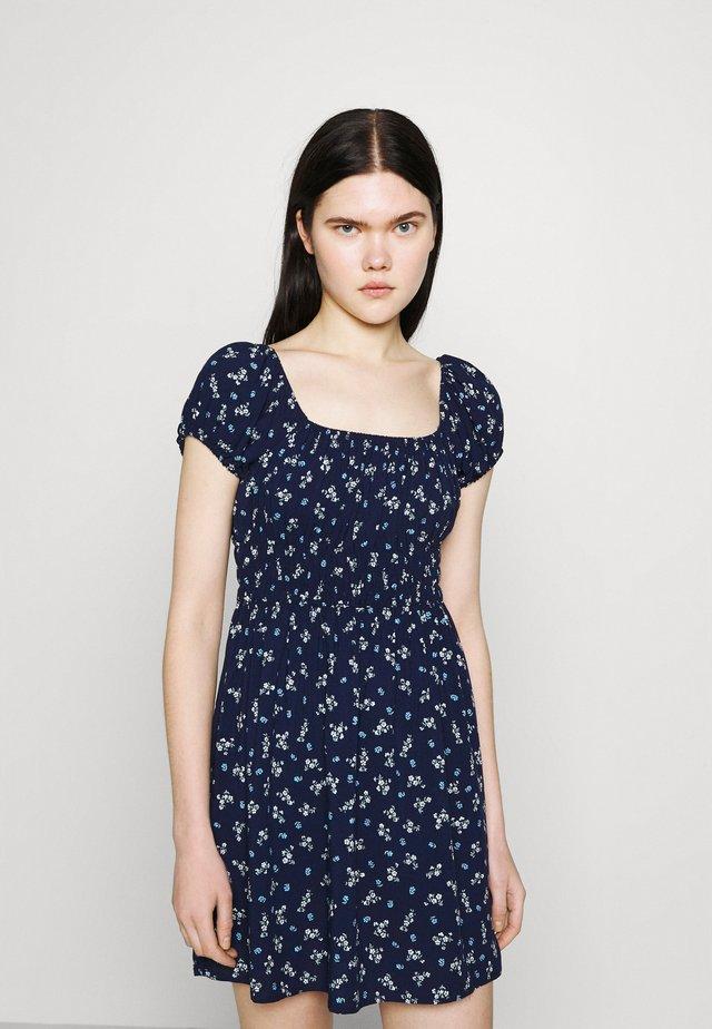 FRANKIE PUFF SLEEVE SHIRRED FIT AND FLARE - Korte jurk - dark blue