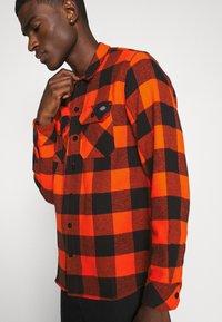 Dickies - SACRAMENTO - Overhemd - bright orange - 3