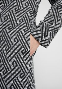 Steffen Schraut - SUMMER JACQUARD COAT - Short coat - black/white - 4