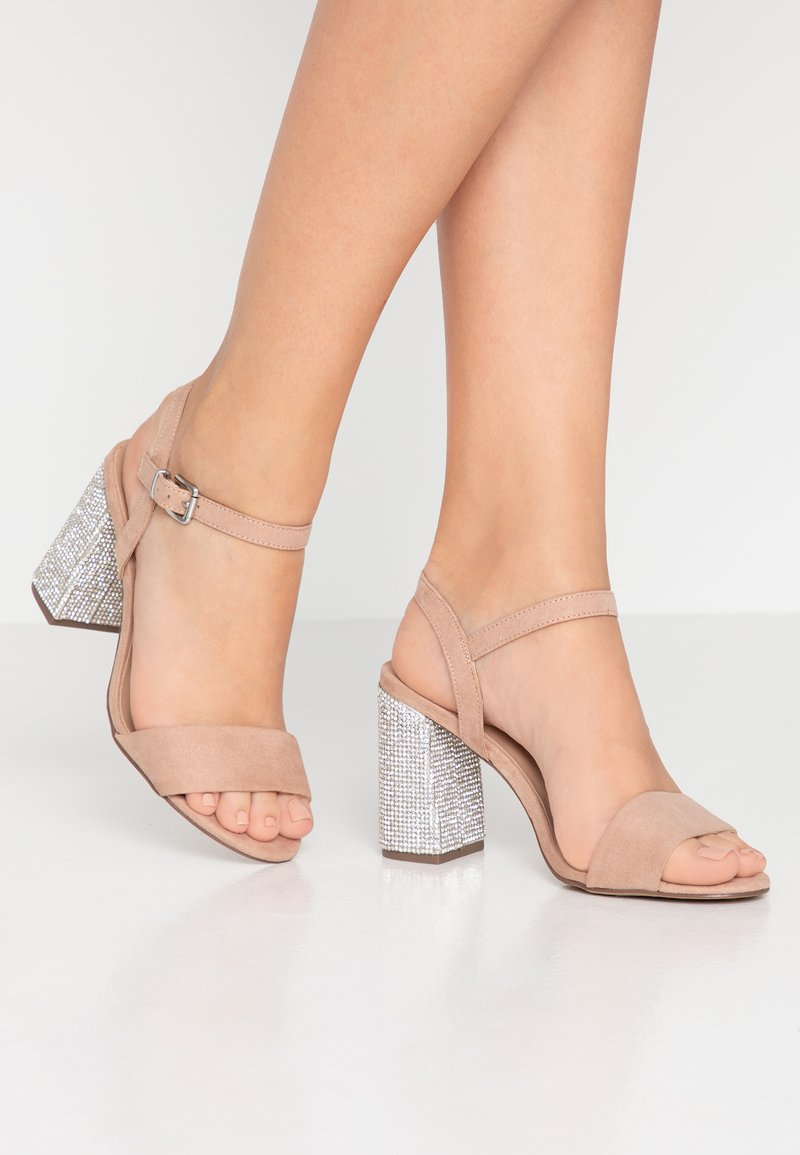 New Look Wide Fit - WIDE FIT TOYAL  - Sandali con tacco - oatmeal