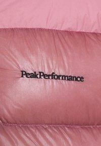 Peak Performance - FROST GLACIER HOOD - Chaqueta de plumas - frosty rose - 2