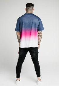 SIKSILK - ESSENTIAL FADE TEE - T-shirt print - navy/pink/white - 2