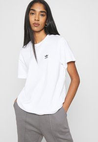 adidas Originals - LOOSE TEE - Print T-shirt - white - 3