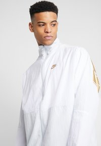 Nike Sportswear - Trainingsjacke - pure platinum/white - 3