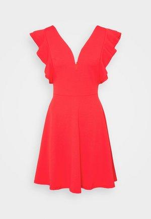 V NECK FRILL SLEEVE DRESS - Jersey dress - coral