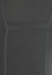 Nike Performance - FAST SHORT - Medias - iron grey/reflective silver - 2
