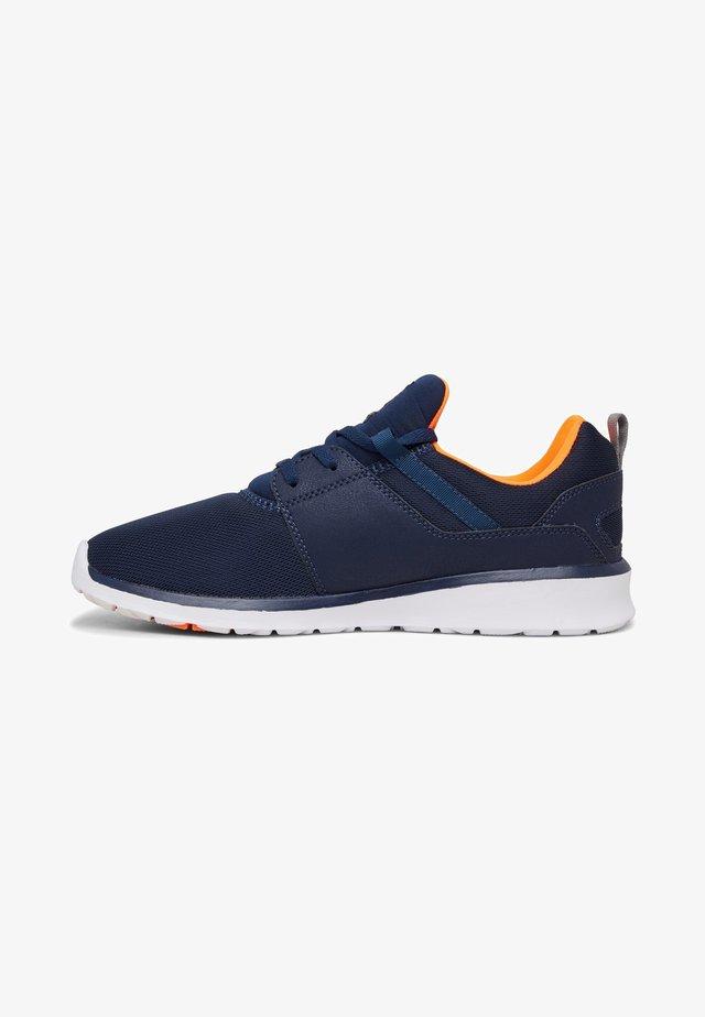 HEATHROW - Sneakers laag - dc navy/orange