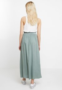 ONLY - Plisovaná sukně - chinois green - 2