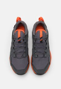 adidas Performance - TERREX AGRAVIC GORE-TEX RUNNING - Trail running shoes - grey four/core black/orange - 3