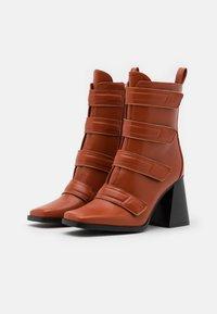 RAID - AILEEN - Kotníková obuv na vysokém podpatku - cognac - 2