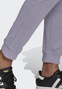 adidas Originals - TRAININGSHOSE - Pantalon de survêtement - grey - 4